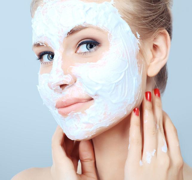 Reinigende Gesichtsmaske